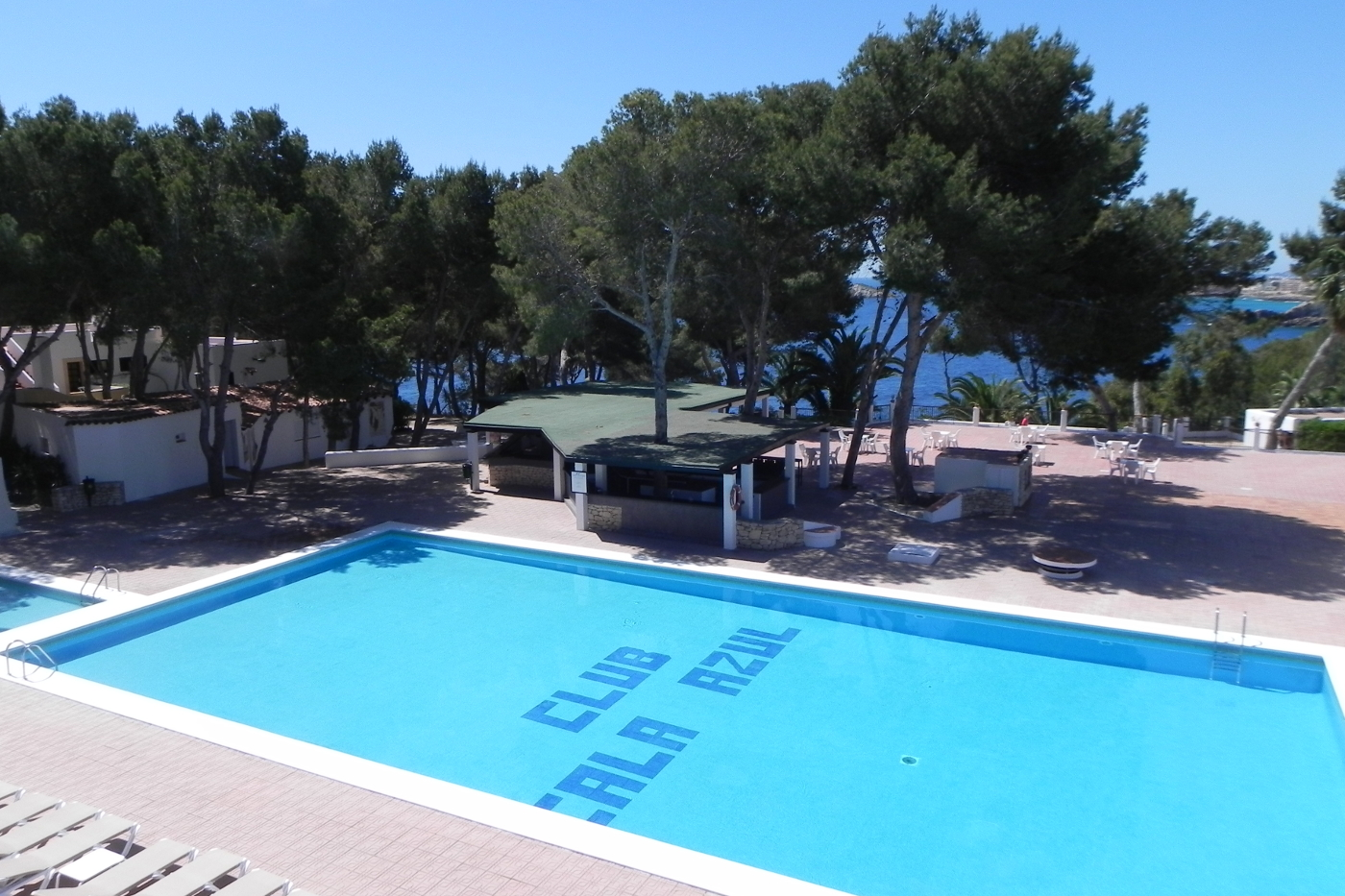 club cala azul swimming pool (3)
